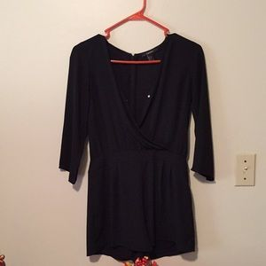 Forever 21 All black short jumpsuit size:Small